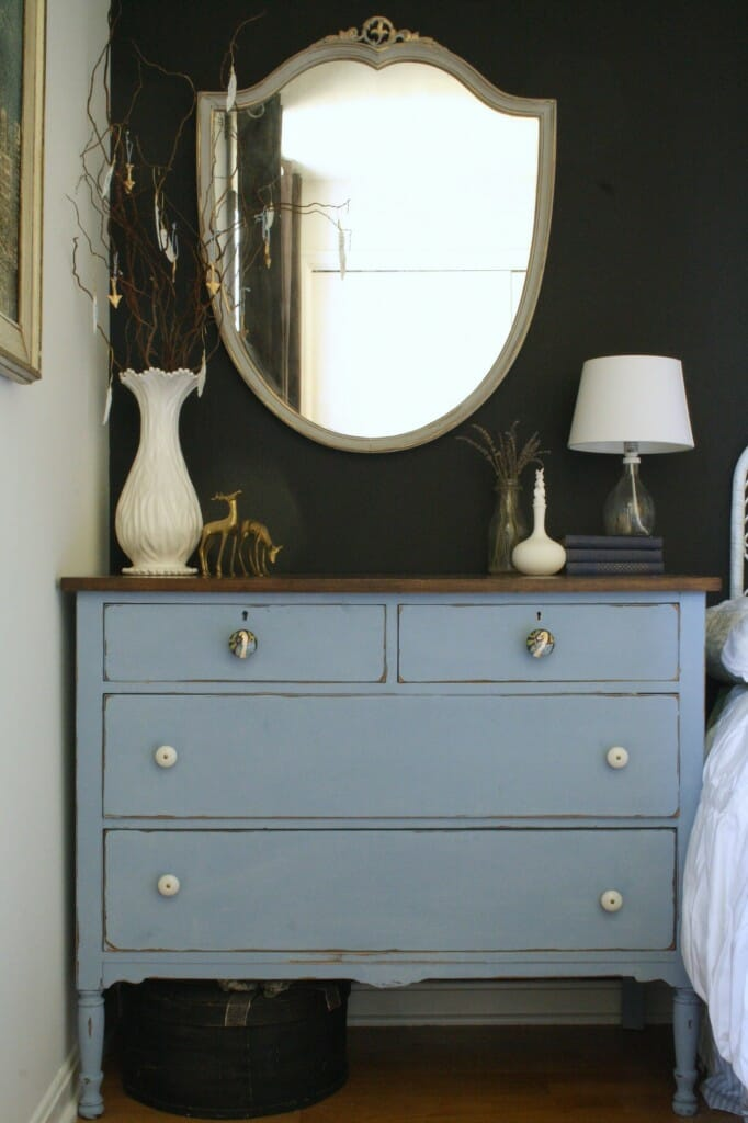 guest room dresser with thankful tree
