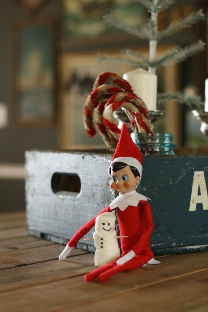 elf on the shelf makes a marshmallow snowman