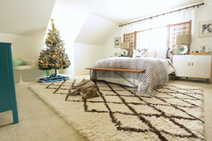 Eclectic bohemian bedroom at Chtistmas