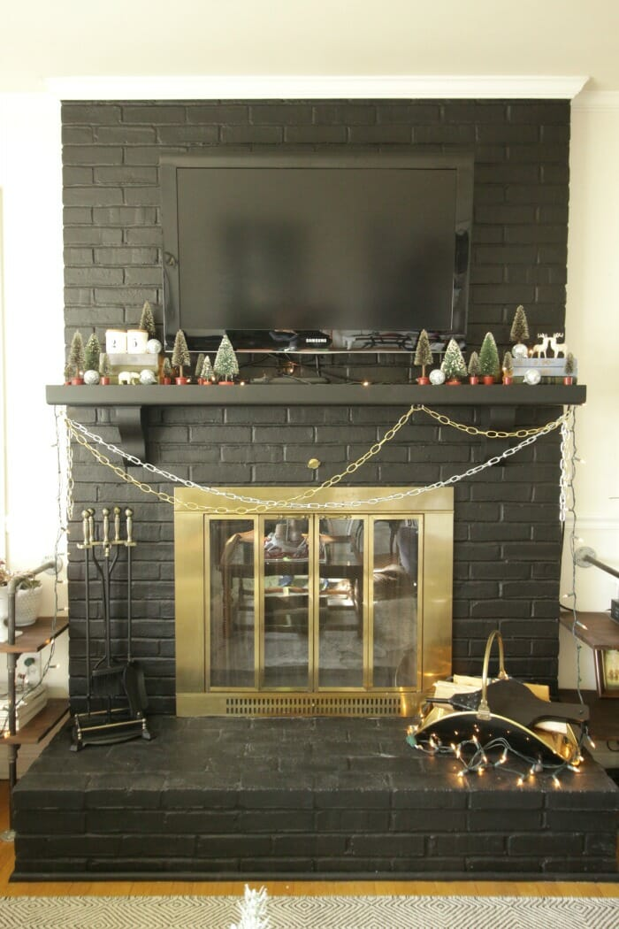 Chains as Garland on Mantle