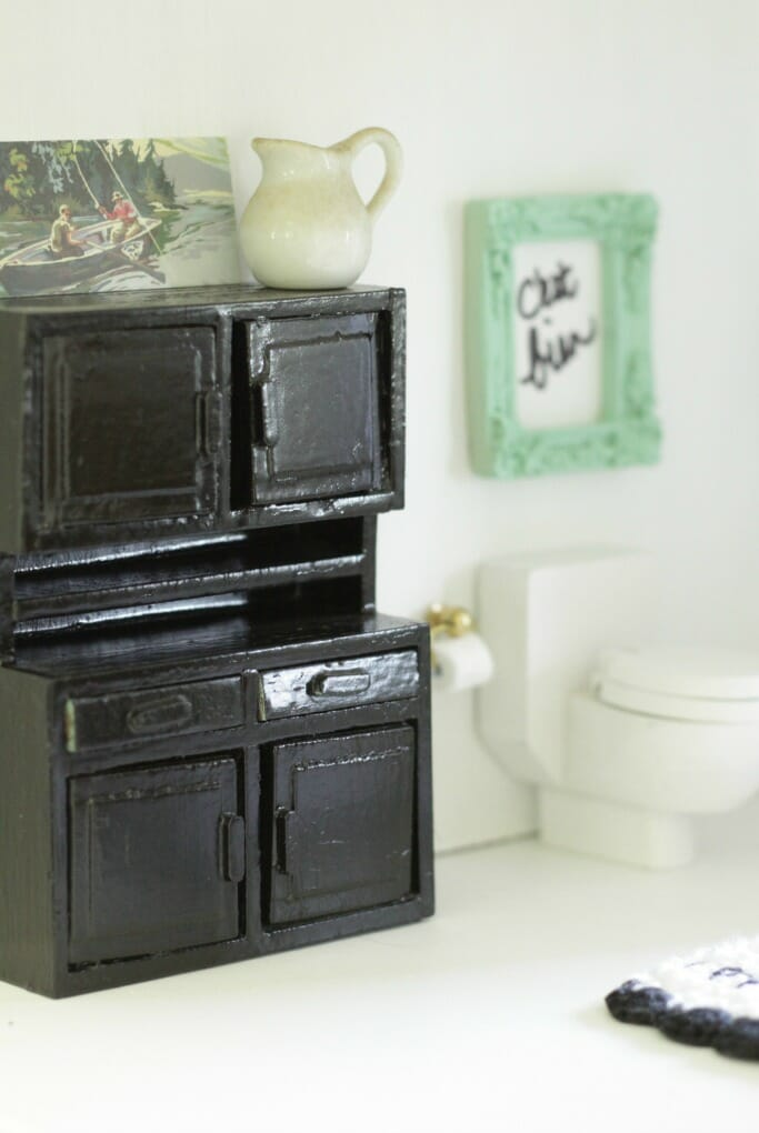 Dollhouse bathroom cabinet and paint by number