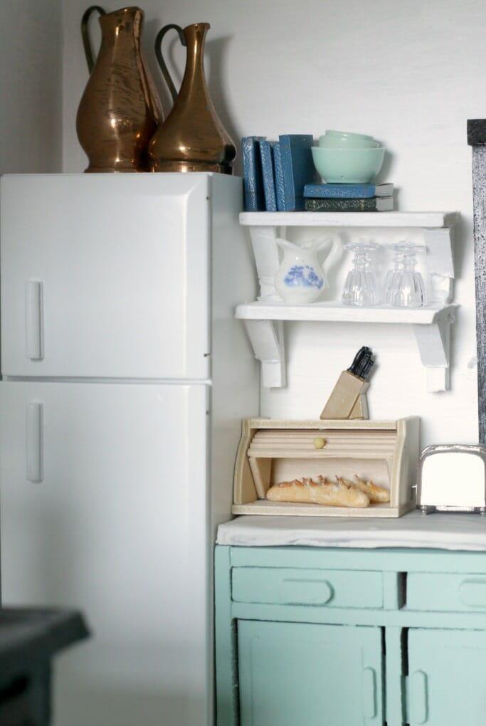 Dollhouse refrigerator