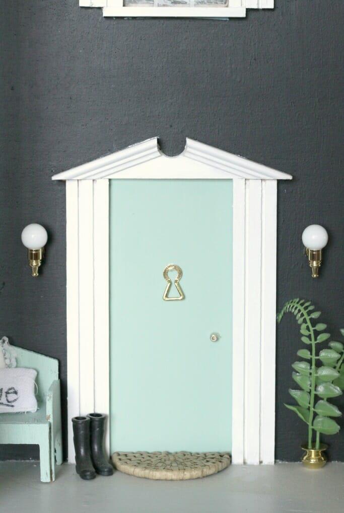 Dollhouse Doorway