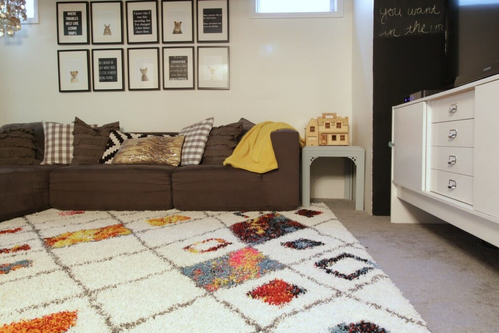 Plush-Rugs-Moroccan-Style-Colorful-Rug-Playroom